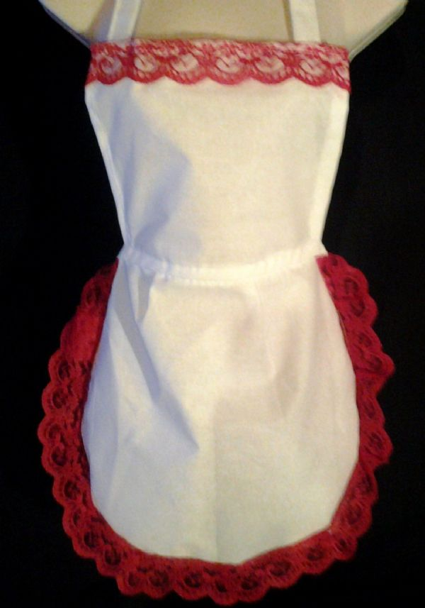 17 x LADIES WHITE FULL APRON PINNY RED  + 17 x white with black lace